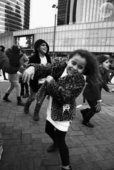 Jeux d'enfants. (Tuch75) Tags: street paris photography enfants bulle dfense jeux