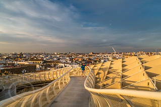 Seville Jan 2016 (5) 744  - Around and about the Metropol Parasol in Plaza de la Encarnacion at the other end of the day this time - waiting for the sunset