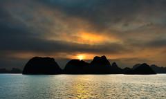 Ha Long Sunset (Marshall Ward) Tags: sunset seascape landscape asia southeastasia dusk vietnam halong halongbay 2016 nikond800 afszoomnikkor2470mmf28ged marshallward