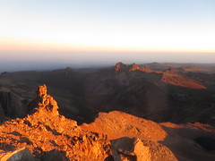 View from the summit of Lenana Peak (4,985 metres  - 16,355 ft) at sunrise (John Steedman) Tags: africa trek kenya peak afrika kenia afrique eastafrica mountkenya ostafrika 非洲 lenana アフリカ ケニア африка afriquedelest أفريقيا кения 肯尼亚 lenanapoint 東アフリカ lenanapeak شرقأفريقيا 东部非洲