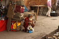 Delhi - Pahar Ganj area (Claudio Nichele) Tags: india delhi people mendiant beggar panhandler eyes look regard yeux gaze face visage viso men homme uomo