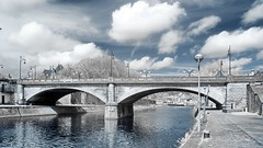 La Sambre  Namur (IR) (Yasmine Hens) Tags: bridge blue reflection water monochrome canon eau europa flickr belgium ngc explore infrared pont 500 namur fleuve hens yasmine fluvial sambre infrarouge 500fav iamflickr 590nm ruby5 hensyasmine