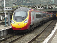 390137 at Manchester Piccadilly (18/4/16) (*ECMLexpress*) Tags: west manchester coast piccadilly trains class virgin emu 390 pendolino wcml 390137
