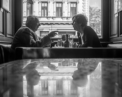 Fascinating (Zugerin) Tags: vienna life friends coffee couple age discussion