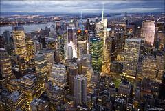 Atardeciendo en NY (lautada) Tags: city usa newyork rooftop night atardecer unitedstates ciudad empirestate anochecer estadosunidos nuevayork