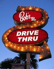 Bob's Big Boy Drive Thru Arrow Sign - Downey, CA (hmdavid) Tags: california coffee sign shop architecture modern restaurant landmark drivethru arrow southerncalifornia googie bobs midcentury downey bobsbigboy johnies broiler