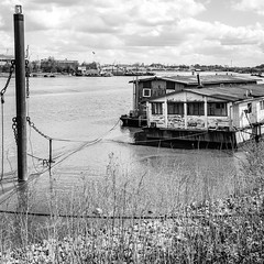 ASC_7121-3 (lenseviews.de) Tags: river germany blackwhite harbour houseboat hh elbe welovehh ilovemyharbour