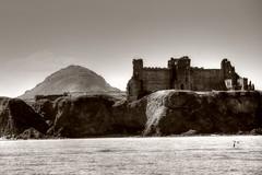 Tantallon Castle & North Berwick Law (robin denton) Tags: sea blackandwhite bw seascape castle heritage history monochrome landscape coast scotland blackwhite coastline northberwick hdr firthofforth historicbuildings historicbritain