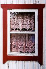 The Red Frames (ristoranta) Tags: window vantaanjoki maisema rakennus punainen kevt piv ikkuna vri ominaisuus nikond7100tamron16300mmf3563