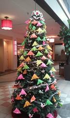 Origami Christmas tree, Japantown, SF (sftrajan) Tags: christmas weihnachten navidad decoration noel christmastree jul nol japantown arbre  tannenbaum jtown nihonmachi 2015  arbldenavidad samsunggalaxycoreprime