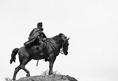 El general en invierno (Ramon Oria) Tags: madrid monument statue spain war general guerra maroc cuban marruecos martinez retiro mariano campos prim marianobenlliure benlliure 1875 1874 arsenio carlista martinezcampos cubanwar