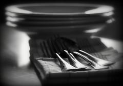 _zu tisch (SpitMcGee) Tags: gabel fork spoon dishes platter lffel besteck cutlery teller kitchentable geschirr kchentisch dishtowel geschirrtuch spitmcgee
