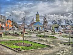 Plaza inclinada de Chonchi (Fotografía transición) Tags: chonchi hdr gratis chiloé chiloe chile plaza inclinada iglesia