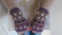 Margot's Garden Fingerless Mitts by Karen Porter (LucciolaS) Tags: flowers alpaca hands knitting purple knitted stranded fingering mitts handwarmers fingerless colorwork freepattern