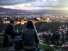 La Alhambra ilumina Granada.. (nana <>) Tags: lighting espaa spain couple view pareja andalucia alhambra granada vista vistas sanmiguel mirador brillante