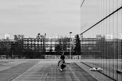 Dancing alone... (::nicolas ferrand simonnot::) Tags: street white black paris field vintage lens photography prime dance dof dancing 85mm depthoffield mount german depth f4 schneider retina | 2016 dkl telearton kreuznarch