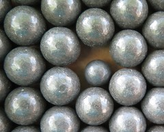 IMG_3196c2x (Wampa-One) Tags: macro metal gray balls pb lead hmm oneofthesethings macromondays