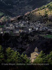 Andorra rural: La Massana, Vall nord, Andorra (lutzmeyer) Tags: pictures mountain mountains primavera berg rural sunrise landscape photography march spring montana europe dorf village photos pics pueblo paisaje images berge fotos valley marc below baixa landschaft sonnenaufgang marzo unten mrz andorra bilder imagen pyrenees muntanya tal springtime iberia frhling pirineos pirineus iberianpeninsula gebirge parroquia paisatge landleben pyrenen imatges rurallife poble frhjahr vallnord anyos sispony gebirgszug iberischehalbinsel sortidadelsol lamassanavallnord mfmediumformat livingrural lndlichesleben lamassanaparroquia lutzmeyer lutzlutzmeyercom