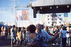 Masherova (varjagg) Tags: street leica sunshine 35mm diy concert couple europe fuji dancing july summicron age f2 belarus middle eastern fujichrome provia e6 minsk m4 100f v4 2015 rdpiii preasph tetenal colortec perforamane