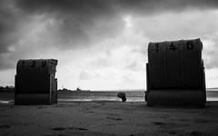 untiteld.jpg (Mette1977) Tags: street sky people bw cloud beach monochrome strand sand candid streetphotography olympus balticsea ostsee strandkorb 2016 schirm ambrella microfourthird eckernfrfde