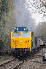 50 007 (D407) + 50 050 (D400) - Wymondham (GreenHoover) Tags: hoover fearless wymondham mnr englishelectric class50 d400 50007 siredwardelgar d407 railblue 50050 midnorfolkrailway 50050fearless 50007hercules