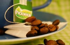 Tea bag with an identity crisis MM (Wim van Bezouw) Tags: macro coffee bag tea hmm mondays macromondays macromonday