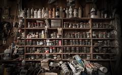 IMG_9716 (Romain Vincent) Tags: mess workshop dust exploration bois abandonned atelier abandonn dsordre poussire matriel canon1635 canon6d