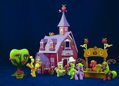 Sweet Apple Acres (CptSpeedy) Tags: barn friendship farm sony magic country cartoon mini fim apples bigmac grannysmith figures hasbro mlp mylittlepony applejack brony