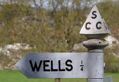 Wells 1/4 Mile (Mukumbura) Tags: sign wells somerset directions castiron signpost scc