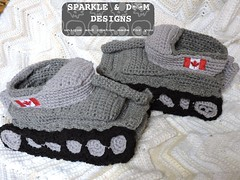 Tank Slippers 02d (zreekee) Tags: canada crochet saskatchewan slippers tanks tankslippers sparkledoomdesigns