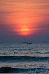 Sunset in Kochi ([s e l v i n]) Tags: sunset sea sun india boat ship kerala cochin kochi fortkochi fortcochin keralatourism keralatravel picturesofkerala selvin