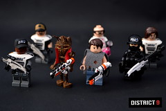 District 9 Figures (Guy Smiley :-)) Tags: lego district nine 9 prawn