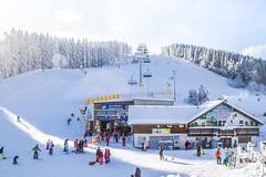 Erstes Winterwochenende im Skiliftkarussell Winterberg