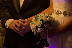 (rio.siempre) Tags: flowers wedding flores detalle love canon couple hand personal pareja lace embroidery amor manos ring ramo casamiento anillo commitment compromiso encaje