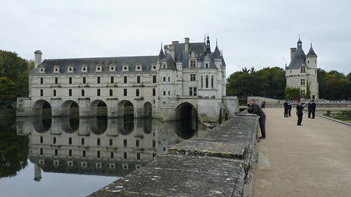 Chateau Chenonceau - from downstream  reflections