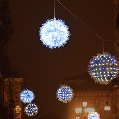 Snowballs (zuul72) Tags: night torino star via alberto neve luci carlo notte snowballs palle artista bottiglie stelle riciclate