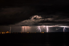 Thunderstorm, Darwin (betadecay2000) Tags: travel sea rain weather port see meer outdoor urlaub himmel wolke wolken reis darwin thunderstorm dämmerung australien northern ufer ta landschaft gewitter strom regen dunkel wetter territory küste australie weer holyday sturm austral unwetter ozean austrralia gewittrig böenfont