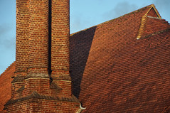 DSC_8458 [ps] - Atlas's Ankle (Anyhoo) Tags: uk roof chimney england brick architecture tile masonry surrey chimneys wisley rhswisley lowsun rhs tiled royalhorticulturalsociety thelaboratory anyhoo photobyanyhoo