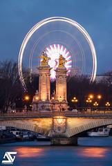 Grande Roue de Paris (A.G. Photographe) Tags: sunset paris france seine french nikon europe shot sigma her ag bluehour capitale alexandre franais parisian roue anto pontalexandreiii xiii parisien d810 granderouedeparis 150600 antoxiii agphotographe