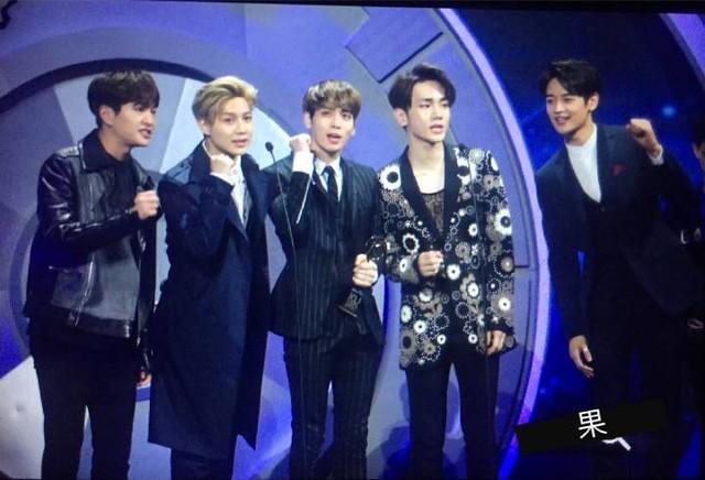 160329 SHINee @ 2016 KU Asia Music Awards' 25588682744_a15f01c250_z