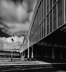 DSCF3254 copy (alanhoughton777) Tags: station fuji platform arches hull paragon kingstonuponhull xt1 paragonstation fujifilmxt1