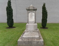 ARBOUR HILL CEMETERY [RESTING PLACE OF 14 EXECUTED 1916 RISING LEADERS]-115438 (infomatique) Tags: cemetery military graves prison irishhistory kilmainham 1916 easterrising arbourhill williammurphy oldgraves infomatique zozimuz leadersofthe1916rising