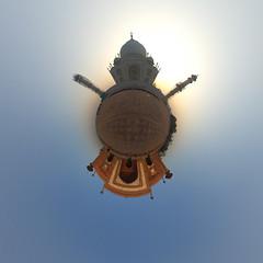 Taj Mahal Panorama beim Sonnenaufgang (jeglikerikkefisk) Tags: panorama india tajmahal agra mausoleum indien worldheritage 360 weltkulturerbe sphericalpanorama uttarpradesh kugelpanorama littleplanet sphrischespanorama