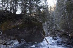rock vs wood (Horace T) Tags: mountain water montagne canon landscape rocks eau rocky paysage rocher hautesavoie efs1022mm rocs flickrfriday eos60d