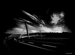 Simplicit..... (crozgat29) Tags: sky canon sigma nb ciel pont paysage jmfaure crozgat29