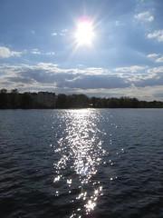Glitzernde Spree-Sonne (chris-bo) Tags: berlin wasser himmel wolken spree sonne reflexion spiegelung reflexionen spiegelungen dahme glitzern flus