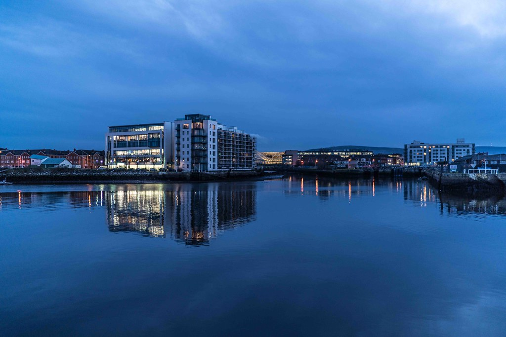 DUBLIN DOCKLANDS AT NIGHT [JANUARY 2016]-110795
