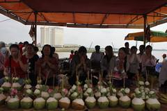 Prayer, Piety & Mobiles (bhatto) Tags: mekong royalpalace tonlesap kampuchea cambodea