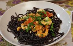 Spaghetti con Nero di Seppia (Mike Serigrapher) Tags: food tomato al prawns pasta di rocket spaghetti crayfish nero shrimps tails seppia