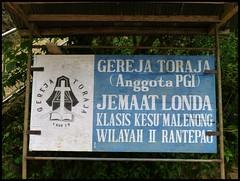 Sulawesi - Londa (abudulla.saheem) Tags: friedhof cemetery indonesia lumix panasonic sulawesi indonesien londa tanatoraja felsengrab rantepao rockgrave hangingcoffins hhlengrber tanahtoraja torajaland abudullasaheem hngendesrge cavetombs dmctz31